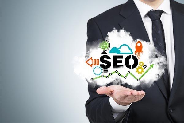 2 dolog, hogy a weboldalad előrébb kerüljön a keresőkben